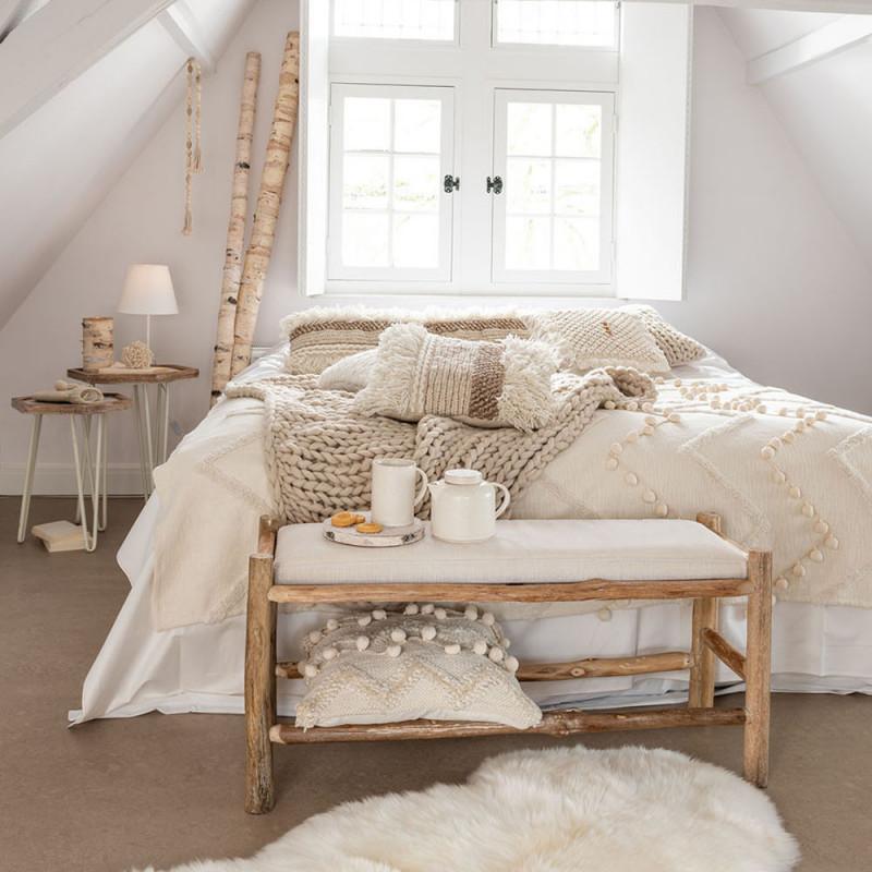 Banc bout de lit en bois naturel et coussin blanc - Gali