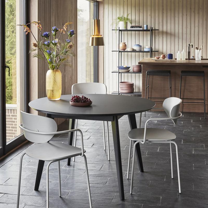 Chaise blanche vintage en bois avec accoudoirs Hubsch - Mia