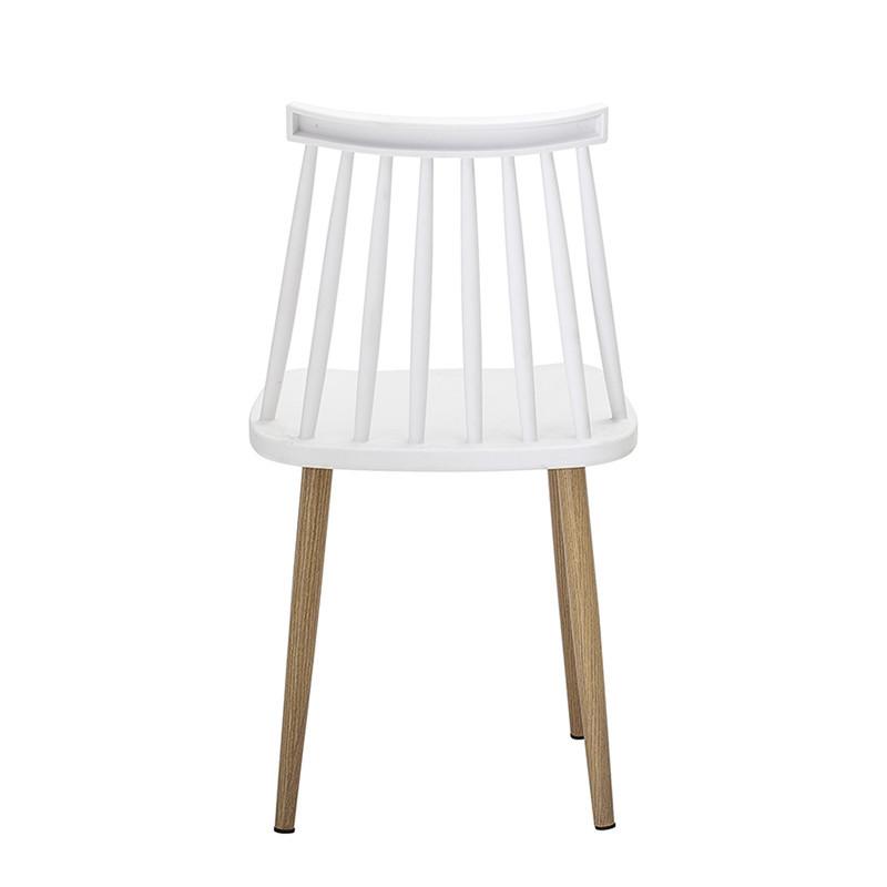 Chaise à barreaux blanche design extérieur Bloomingville
