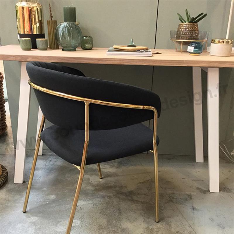 Chaise grise vintage avec accoudoirs pied doré Bloomingville