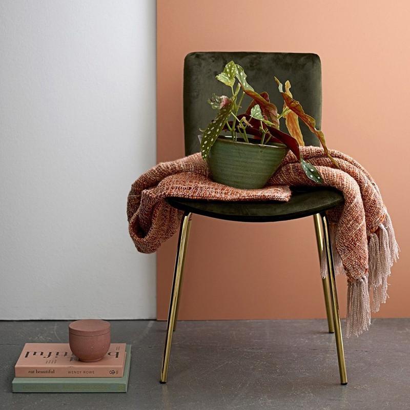 Chaise design velours vert pieds dorés Bloomingville