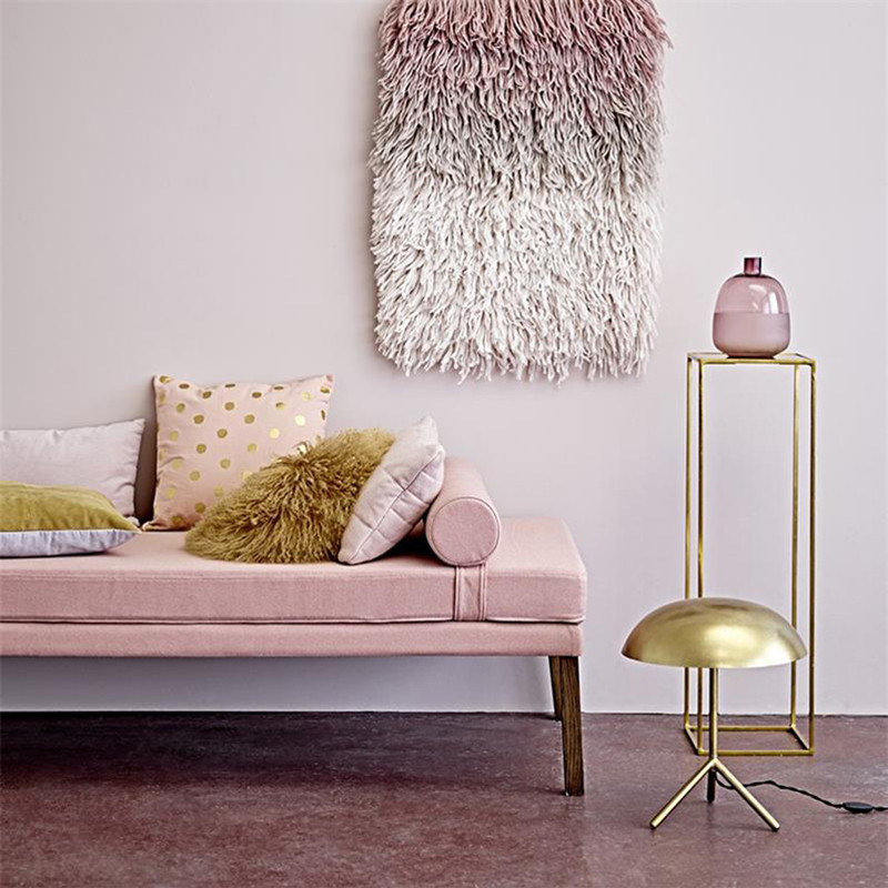Lampe de salon design en métal doré brossé