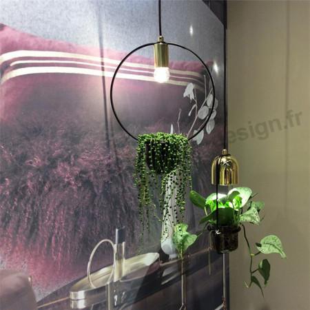 Suspension luminaire dorée avec plante Bloomingville