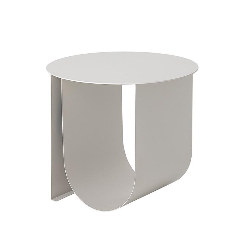 Table d'appoint blanche en métal contemporaine Bloomingville