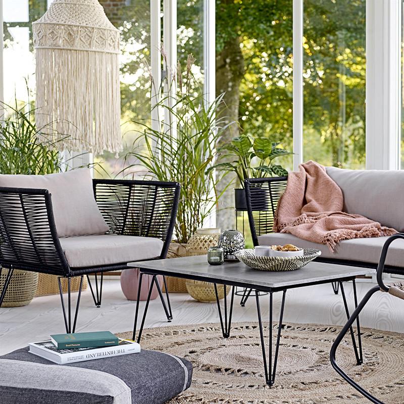 Table basse de jardin design béton et métal noir