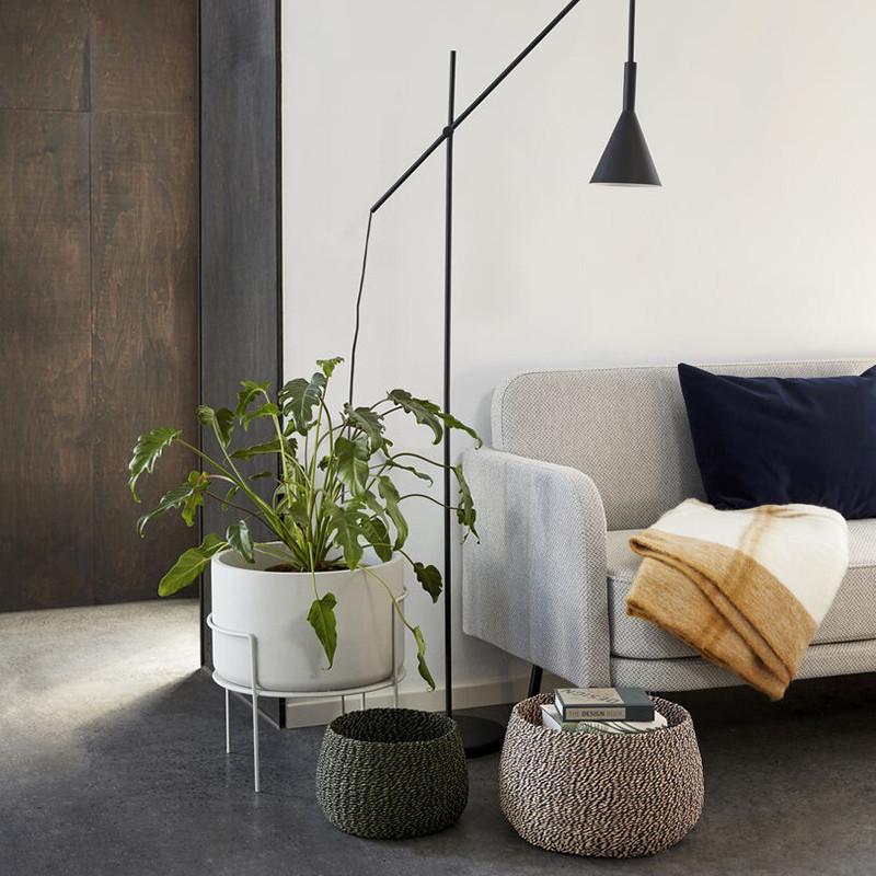 Pot de fleurs sur pieds en métal blanc design - Perry