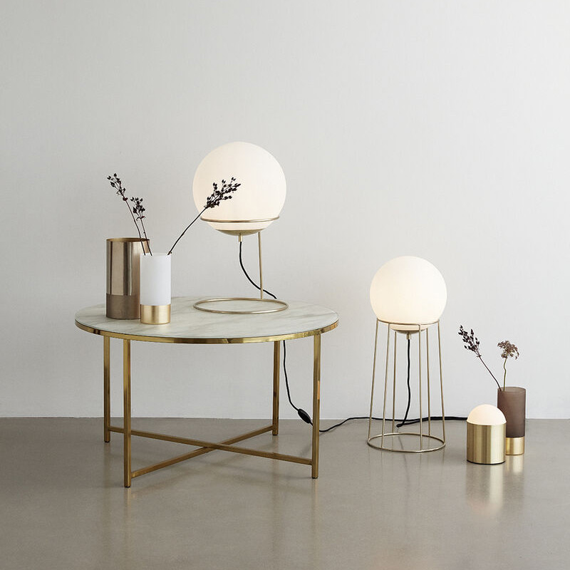Lampadaire globe blanc design doré Hubsch - Lary
