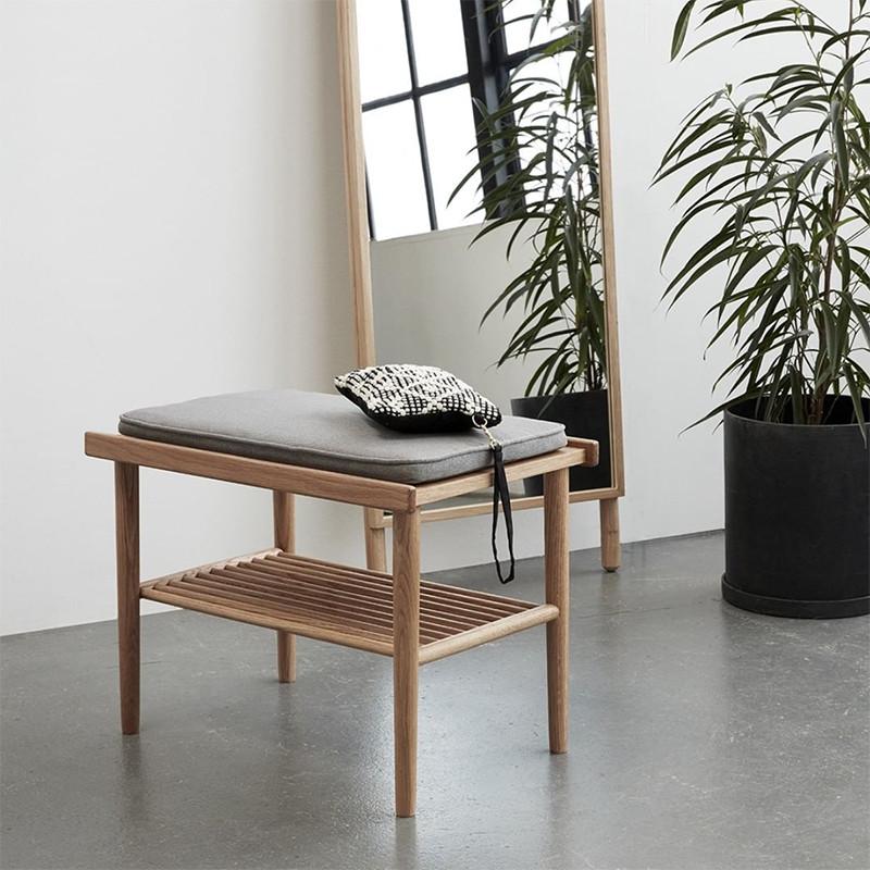 Petit banc en bois style scandinave avec coussin gris - Sine